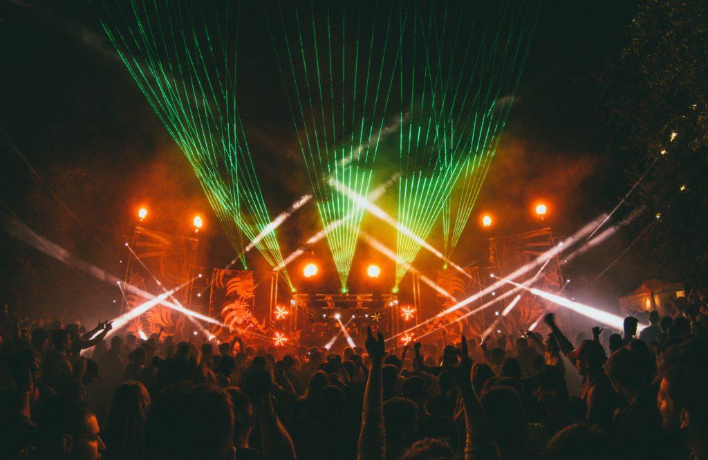 ライブ、コンサート
