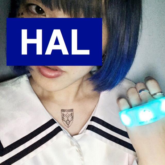 マニックパニックを使って染めたダークブルーヘアカラーの実例