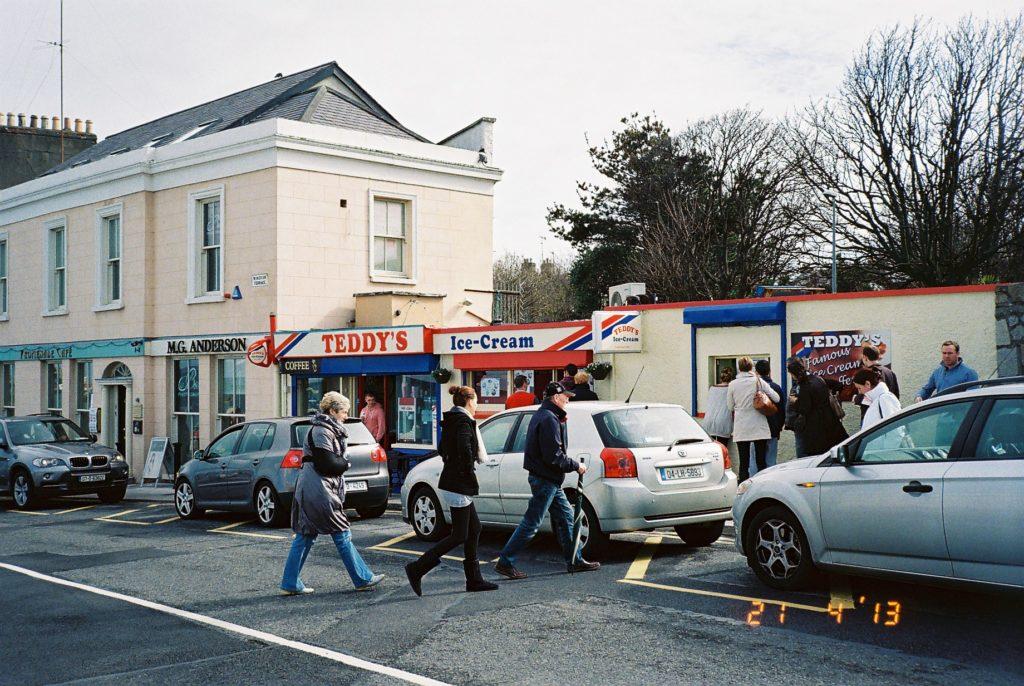 港町ダン・レアリーのアイスクリーム屋