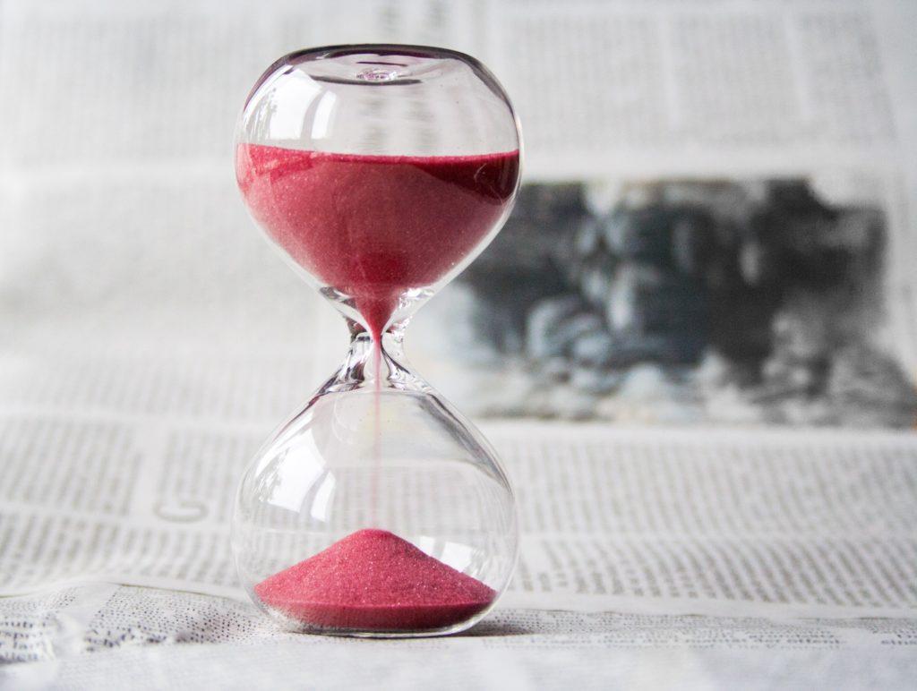 ピンク色の砂時計