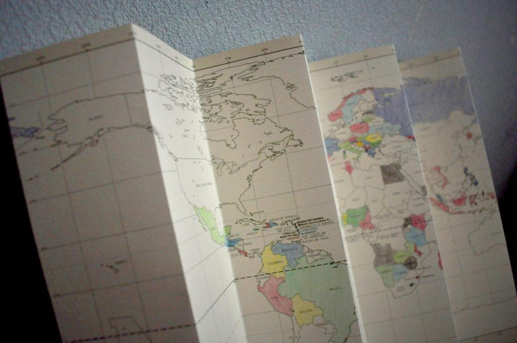 色が塗られた白地図
