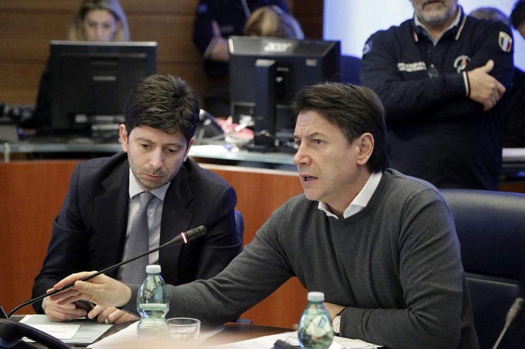 イタリアの保健大臣とジュゼッペ・コンテ首相
